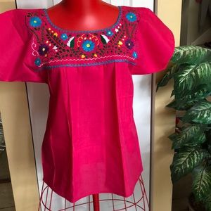 Tops - 🌟NEW ARRIVAL NWT Typical Mexican blouse.